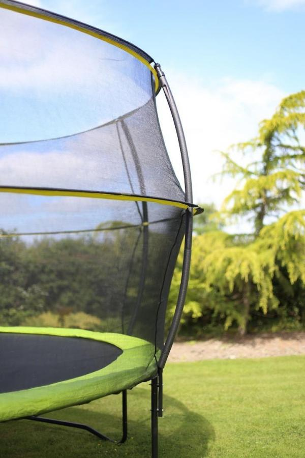 Rebo 8FT Base Jump Trampoline With Halo II Enclosure - Green-8915