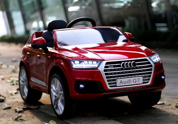Kids Audi Q7 Licenced 12v Electric ride on car - Red-0