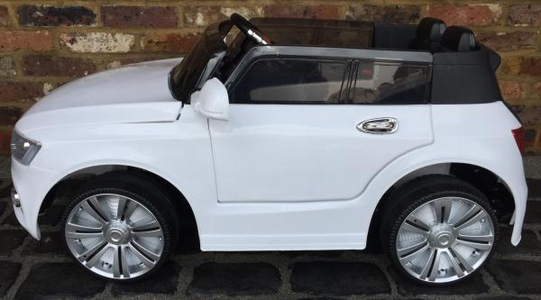 Audi Q7 Style Car 12v Battery / Electric Ride on Car White-12725