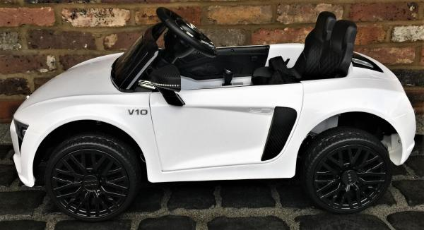 Kids Licensed Audi R8 Spyder 12V Battery Electric Ride on Car - White-13360