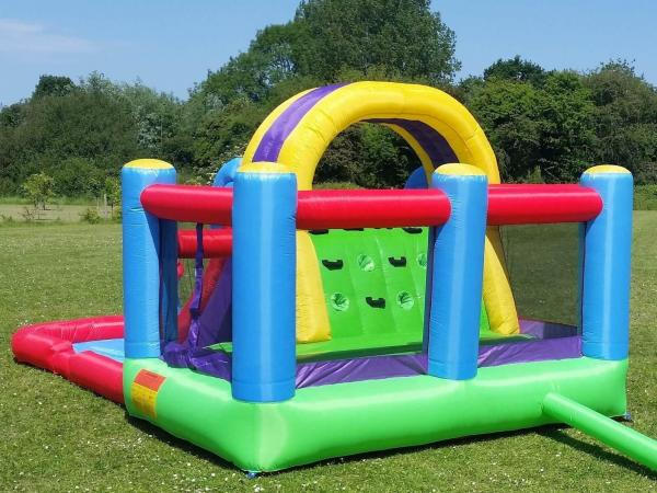BeBop Total Wipeout Kids Inflatable Bouncy Castle and Water Slide-13540