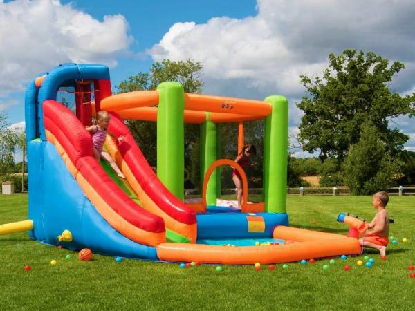 BeBop Canyon Kids Bouncy Castle and Water Slide-13524