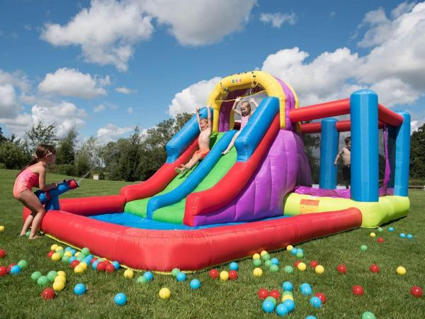 BeBop Total Wipeout Kids Inflatable Bouncy Castle and Water Slide-13539