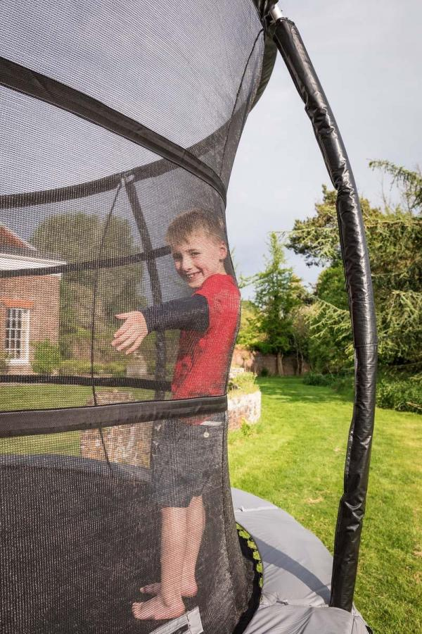 Telstar Jump Capsule Deluxe MK 3 - 9ft x 13ft Oval Trampoline and Enclosure Package -13973