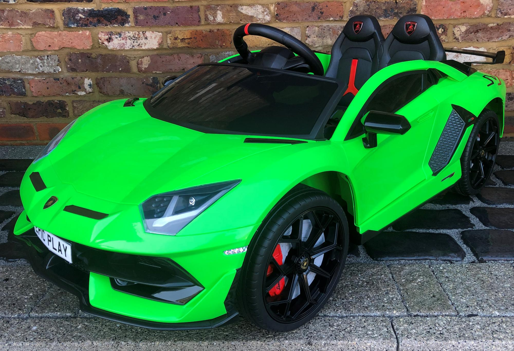 Kids Licensed Lamborghini Aventador SV Roadster 12V Battery Electric Ride on Car with Remote Control - Green