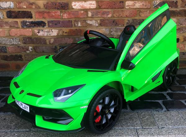 Kids Licensed Lamborghini Aventador SV Roadster 12V Battery Electric Ride on Car with Remote Control - Green-16547