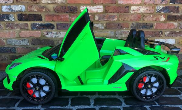 Kids Licensed Lamborghini Aventador SV Roadster 12V Battery Electric Ride on Car with Remote Control - Green-16549