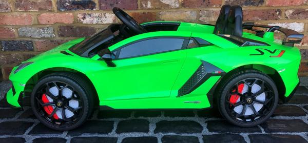 Kids Licensed Lamborghini Aventador SV Roadster 12V Battery Electric Ride on Car with Remote Control - Green-16548