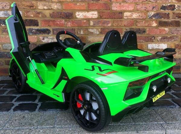 Kids Licensed Lamborghini Aventador SV Roadster 12V Battery Electric Ride on Car with Remote Control - Green-16545