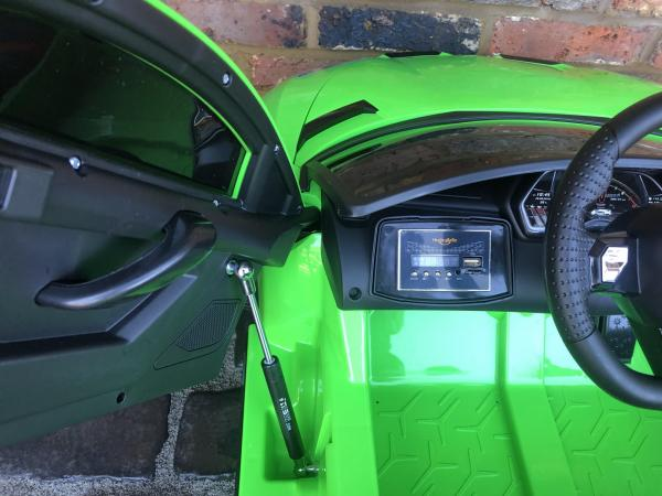 Kids Licensed Lamborghini Aventador SV Roadster 12V Battery Electric Ride on Car with Remote Control - Green-16552