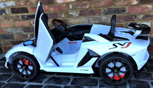 Kids Licensed Lamborghini Aventador SV Roadster 12V Battery Electric Ride on Car with Remote Control - White-16564