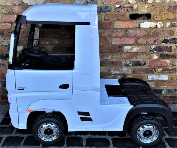 Licensed Mercedes Benz Actros 12v Ride On Lorry Artic Truck - White-17354