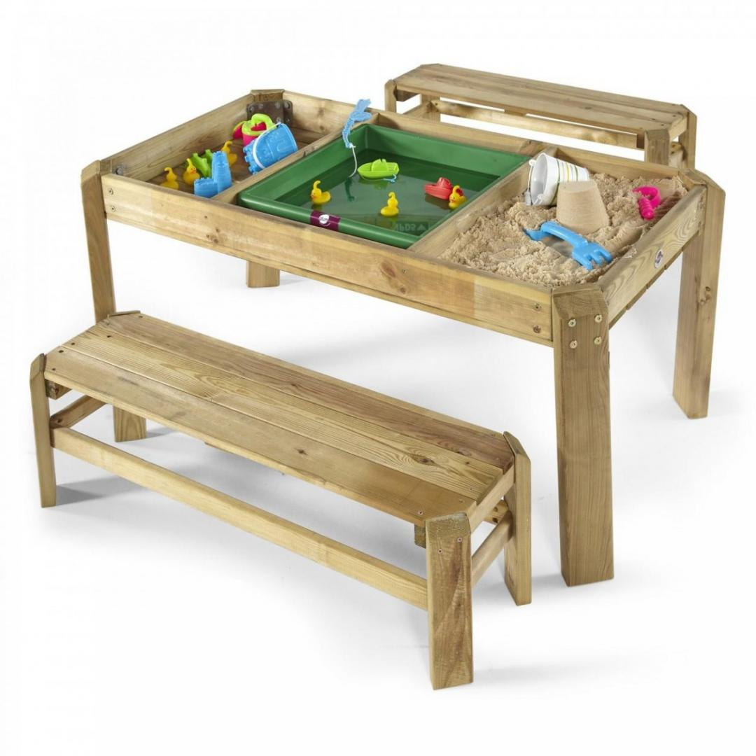 play outside with sand and water